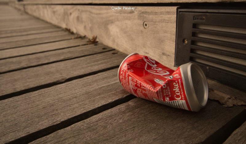 Weggeworfene Cola-Dose